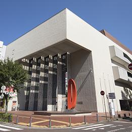 写真:横浜市市民文化会館 関内ホール